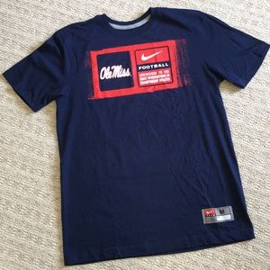 Like new Nike Ole Miss football tee shirt sz M